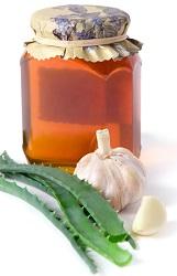 Растение, мед и чеснок