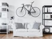 Хранение в квартире над диваном