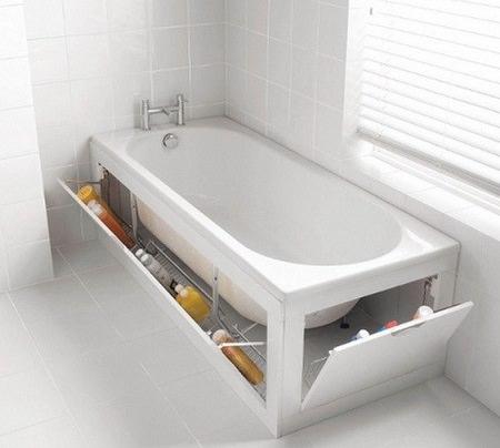 Под ванной