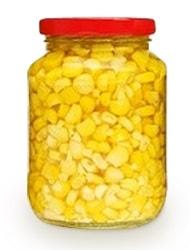 Консервированная кукуруза в стеклянной банке
