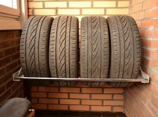 Хранение шин без дисков на балконе