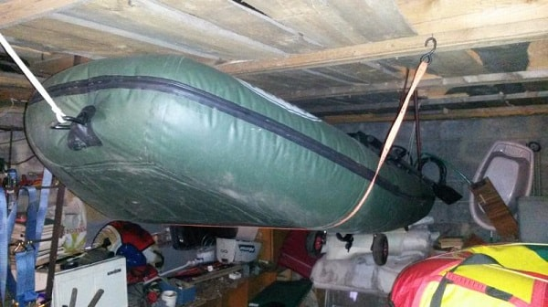 Хранение лодки под потолком
