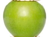 """Протезы """"кусают"""" яблоко"""